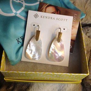 Kendra Scott Marty earrings